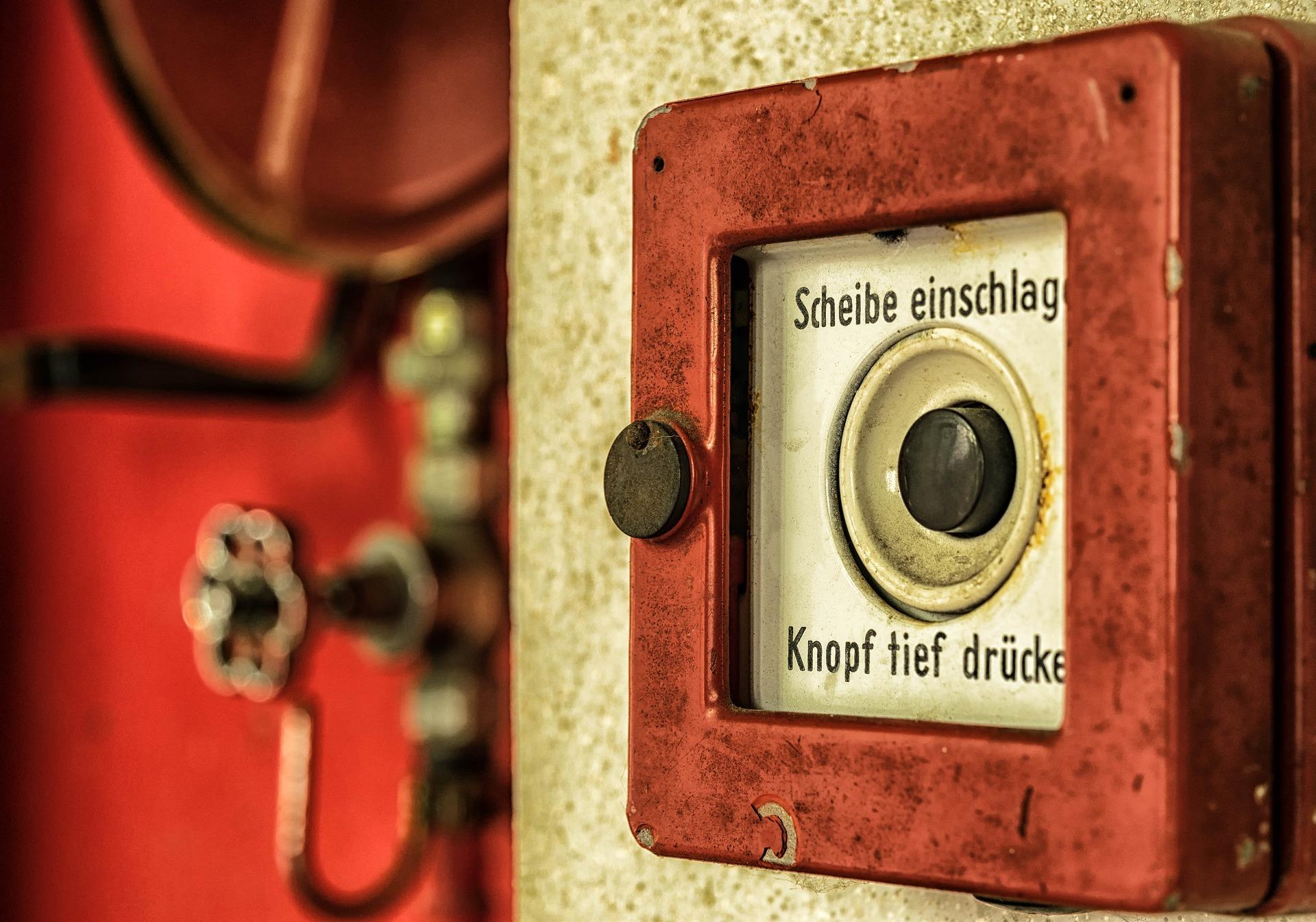 Ilustracja do: Ręczny ostrzegacz pożarowy – ROP